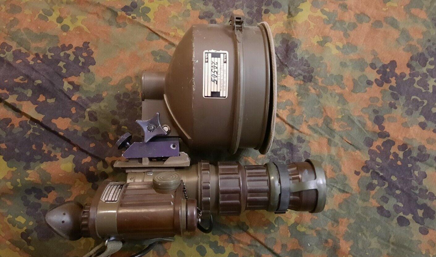 Bild 1 - BW-FERO-51-IR-Scheinwerfer-2-Akku-Tasche-TDv-Nachtsichtgeraet-BUND-Bundeswehr