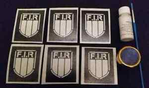 Set-di-tatuaggi-glitterati-da-rugby-con-scudo-italiano-inclusi-glitter-e-stampin