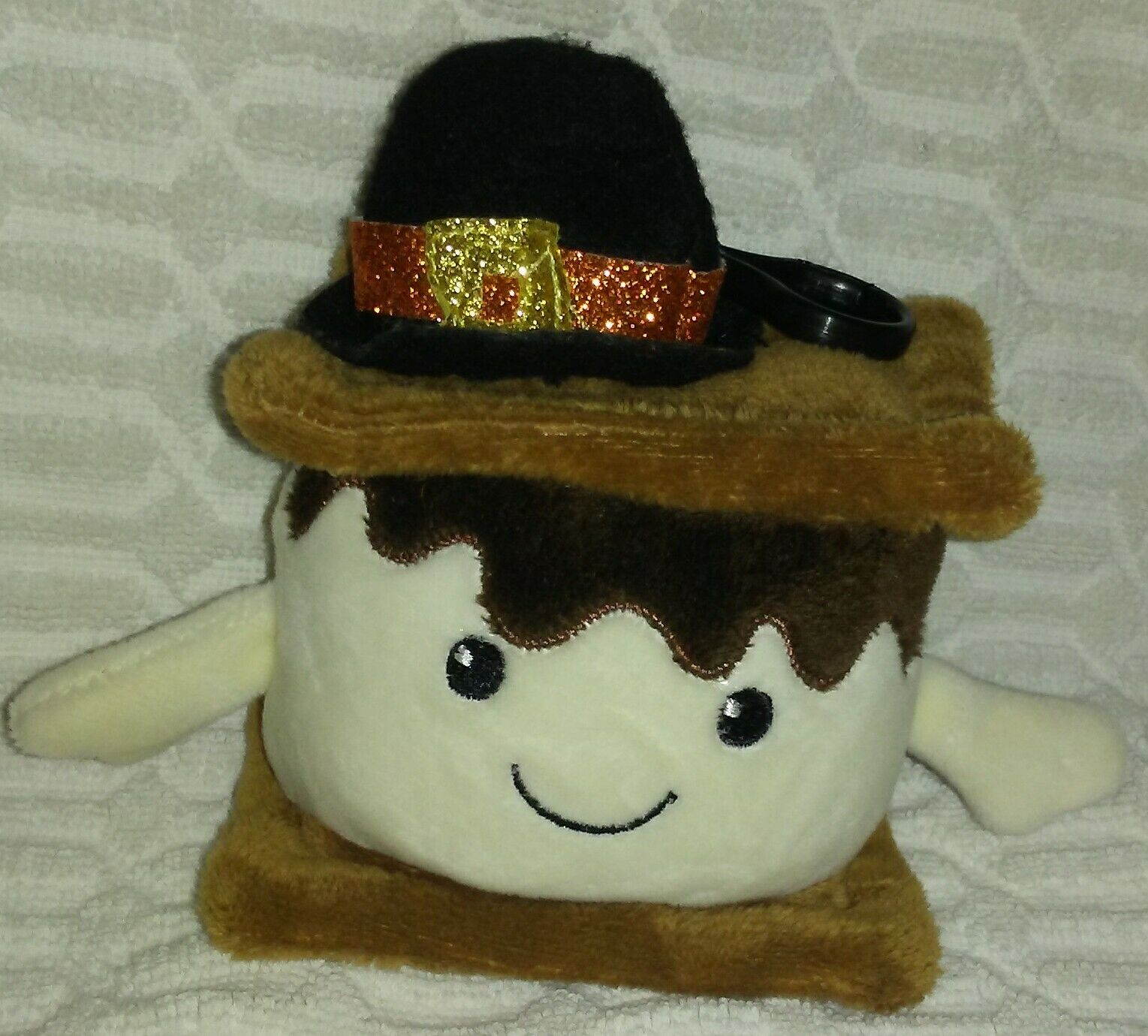 "6""DanDee Smores With Hat Keychain Plush"