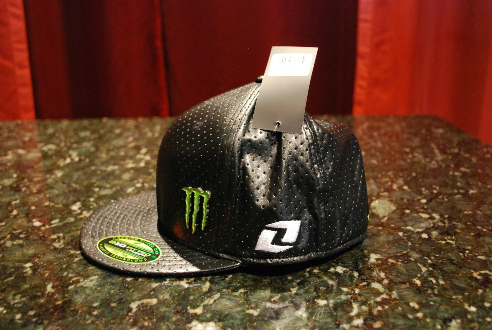 One Industries Monster Energy Wells NEW Flex Fit Hat Black NEW Wells size LARGE f14502