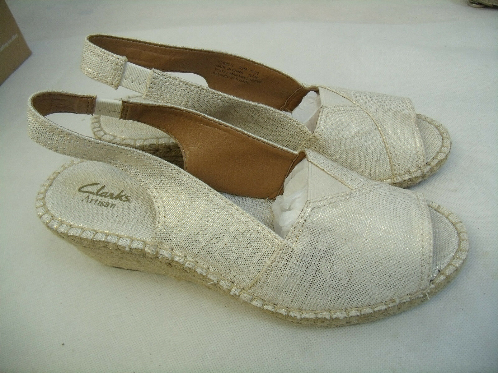C68 CLARKS PEEP ARTISAN SLINGBACK OFF WHITE PEEP CLARKS SANDALS  SIZE 9.5M  MINT CONDITION f3be27