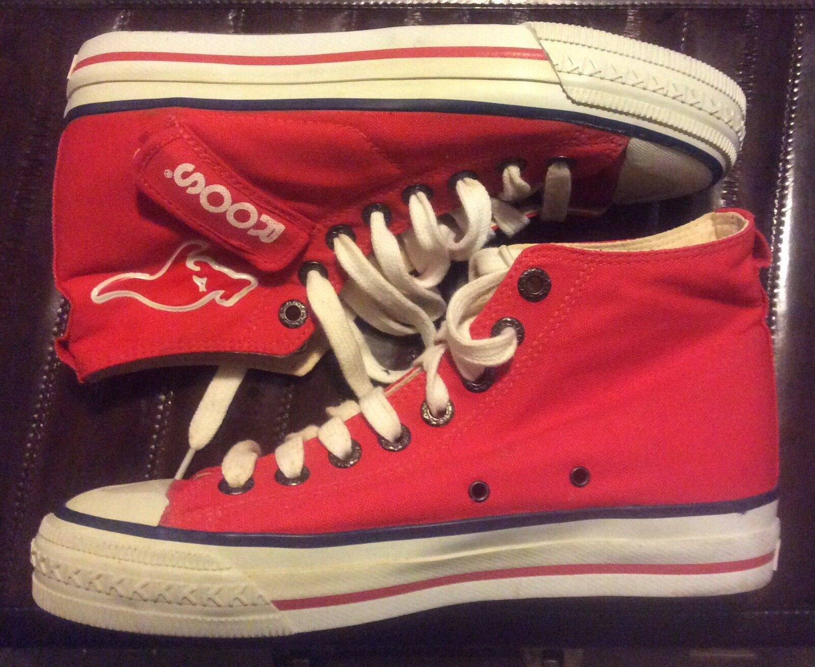 Hopping Awesome! 80s Vintage KangaRoos High Top Red Sneakers~Pockets~Size 8 USA