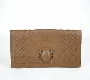 1550 New Authentic BOTTEGA VENETA Leather Clutch Bag Handbag Brown ... 0cc15daf5fd56