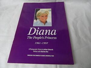 Prinzessin-Diana-A-Photographic-Tribute-Broschuere-Arthur-Edwards-1998