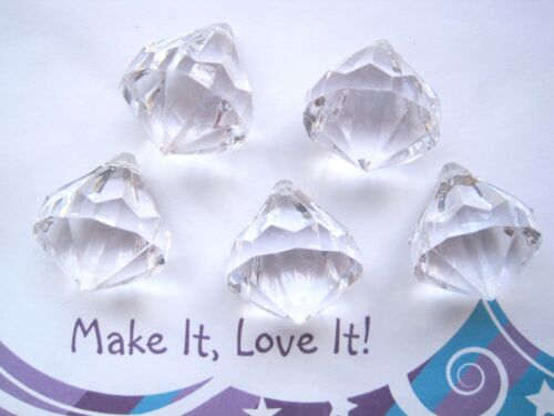5 x CLEAR DIAMOND SHAPE FACETED ICE FEATURE BEAD CHARM ACRYLIC 25MM X 20MM XMAS