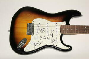 RAMMSTEIN-FULL-BAND-SIGNED-AUTOGRAPH-FENDER-BRAND-ELECTRIC-GUITAR-TILL-LINDEMANN