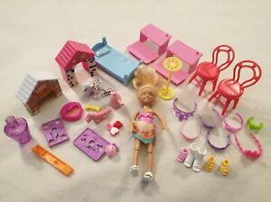 Barbie-Club-Chelsea-Parco-Giochi-Bundle-Bambola-SCRIVANIE-SEDIE-letto-Scarpe-Tiare