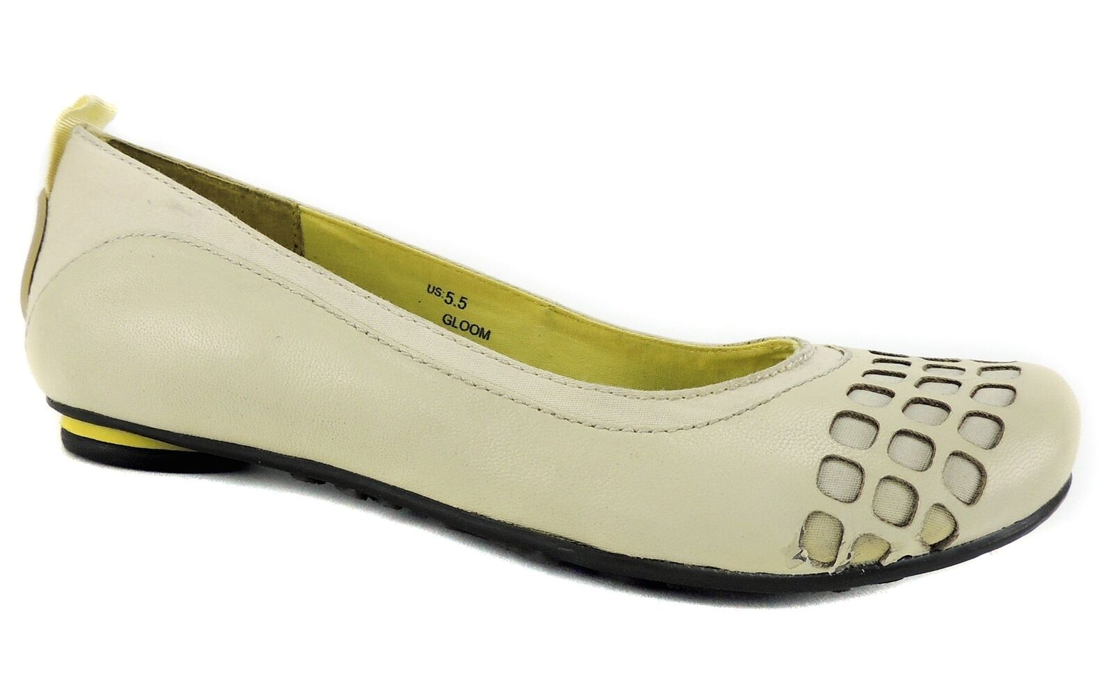 Jump Women's Gloom Flats Ivory Leather Size 5.5 M
