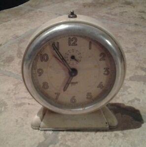 Ancien Reveil Japy Minut Art Deco Fonctionne /pendule / Horloge /collection/ à Distribuer Partout Dans Le Monde