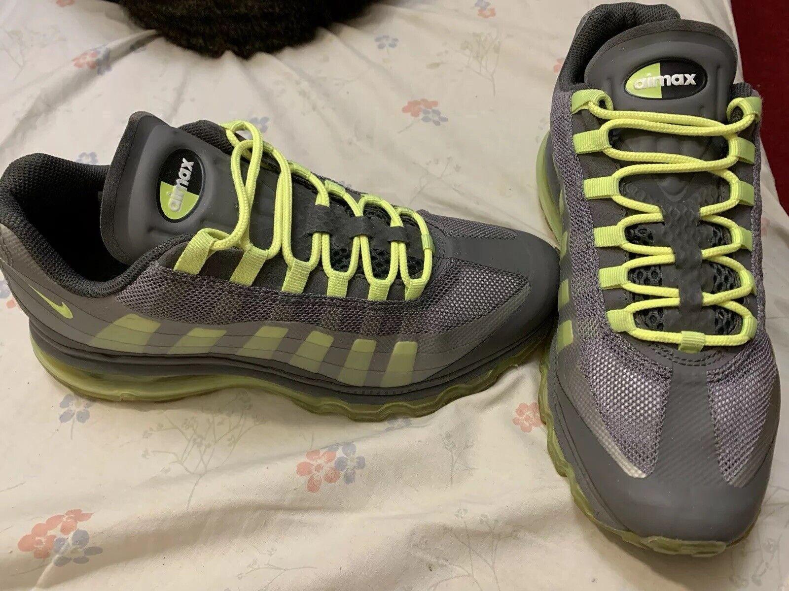 Nike Air Max 95 360 GS Big Kids 512169 003 Grey Volt Running Shoes. Sz 7Y..2012