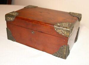 antique-1800-039-s-Victorian-ornate-mahogany-wood-cigar-humidor-lined-tobacco-box