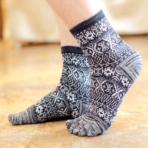 Hot  New Men/'s Women/'s Socks Pure Cotton Sports Five Finger Socks Toe Socks/>v