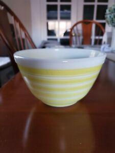 Vtg Pyrex 1 1/2 Pt Yellow White Rainbow Stripe Mixing Bowl #401 Mid-Century 50's