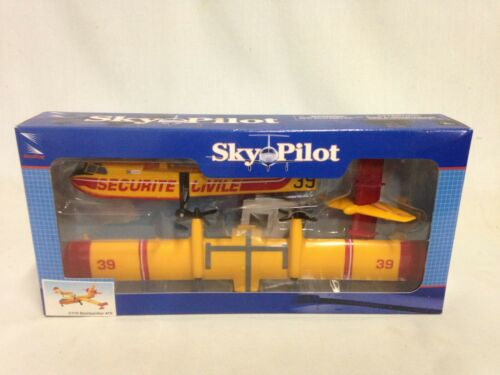 Bombardier 415 Amphibious Aircraft Scale 1:110 Plastic Model Kit New Ray Toys