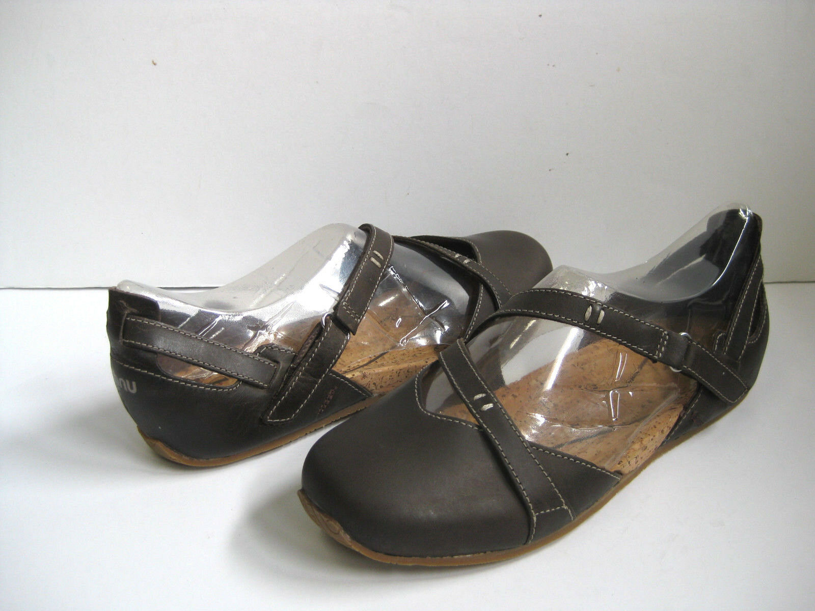 AHNU TULLIA II WOMEN MARY JANES LEATHER PORTER US 7  UK 5.5  EU 38  JP 24