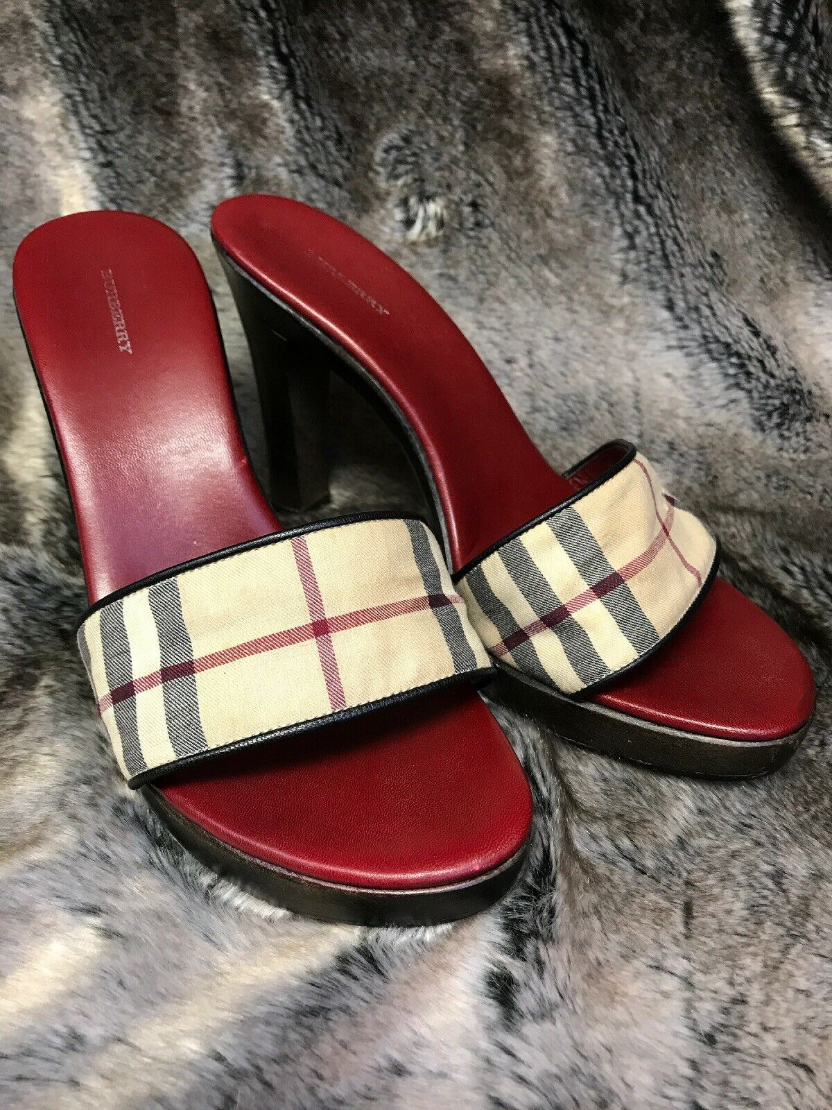 Burberry High Heeled  Slip -ons Tan w  rosso nero Check Pattern Gently Pre owned  qualità di prima classe