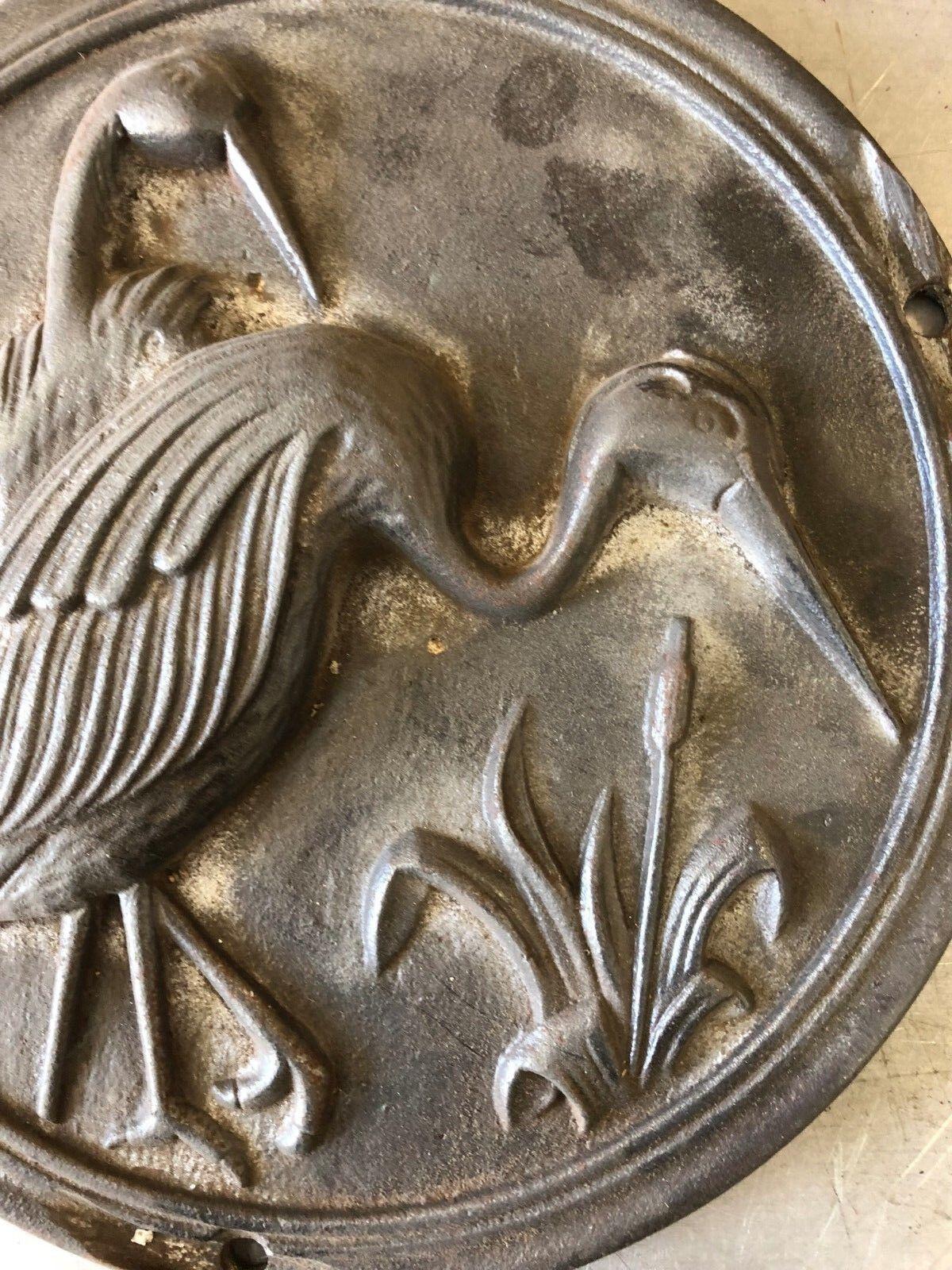 Alte Verzierung Gusseiserne Platte mit Motiv rund Ø 23 cm