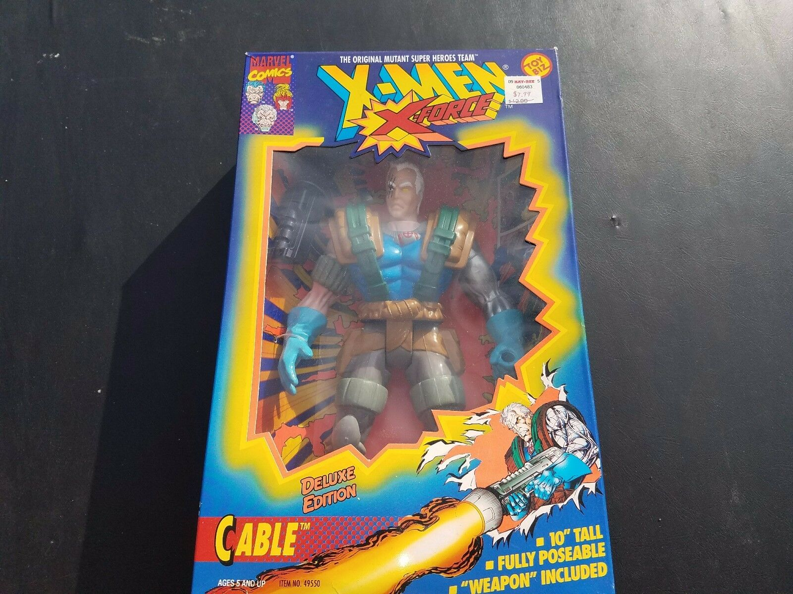 CABLE  X-MEN - Deluxe-Edition -10  Action Figure - NEVER OPENED Toy Biz - 1994
