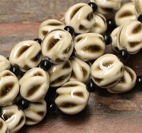 4x Porzellan Keramik Perlen Beads Schmuck DIY Basteln 15mm Weiß Olive tb197