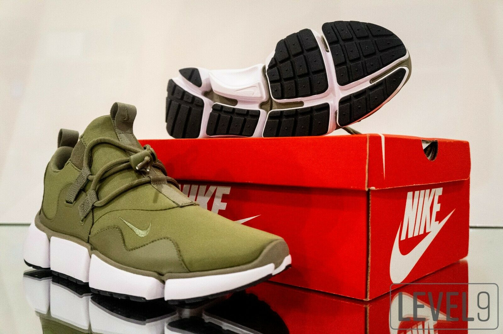 Nike Pocketknife DM (898033 200) Olive Green SIZE  10.5