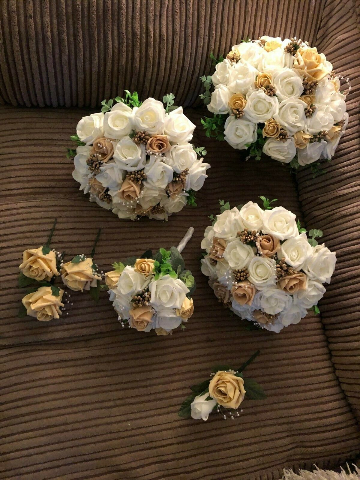 Nouveau  Bridal Posy Fleur Paquet (Bundle) ivoire & or Seulement