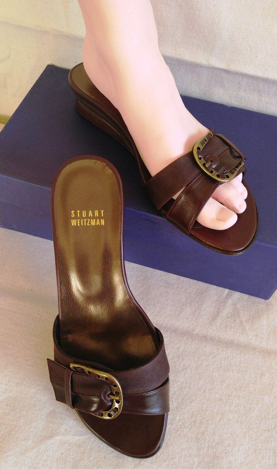 STUART WEITZMAN Fflip Flops Braun Leder Schuhes Bronze Metal Buckle Sz 7 W Wedge