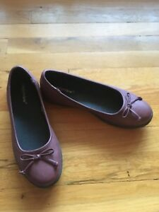 e7f2b51ca93f Comfort View Burgundy Leather Look Ballet Flats Women s Shoes Size 8 ...