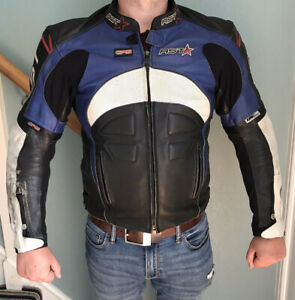 Mens-Leather-RST-Motorcycle-Jacket-Size-44-Some-Scuffs-But-All-Intact