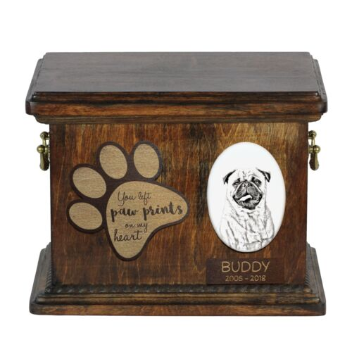 Urn for dog's ashes with ceramic plate and description USA Pug