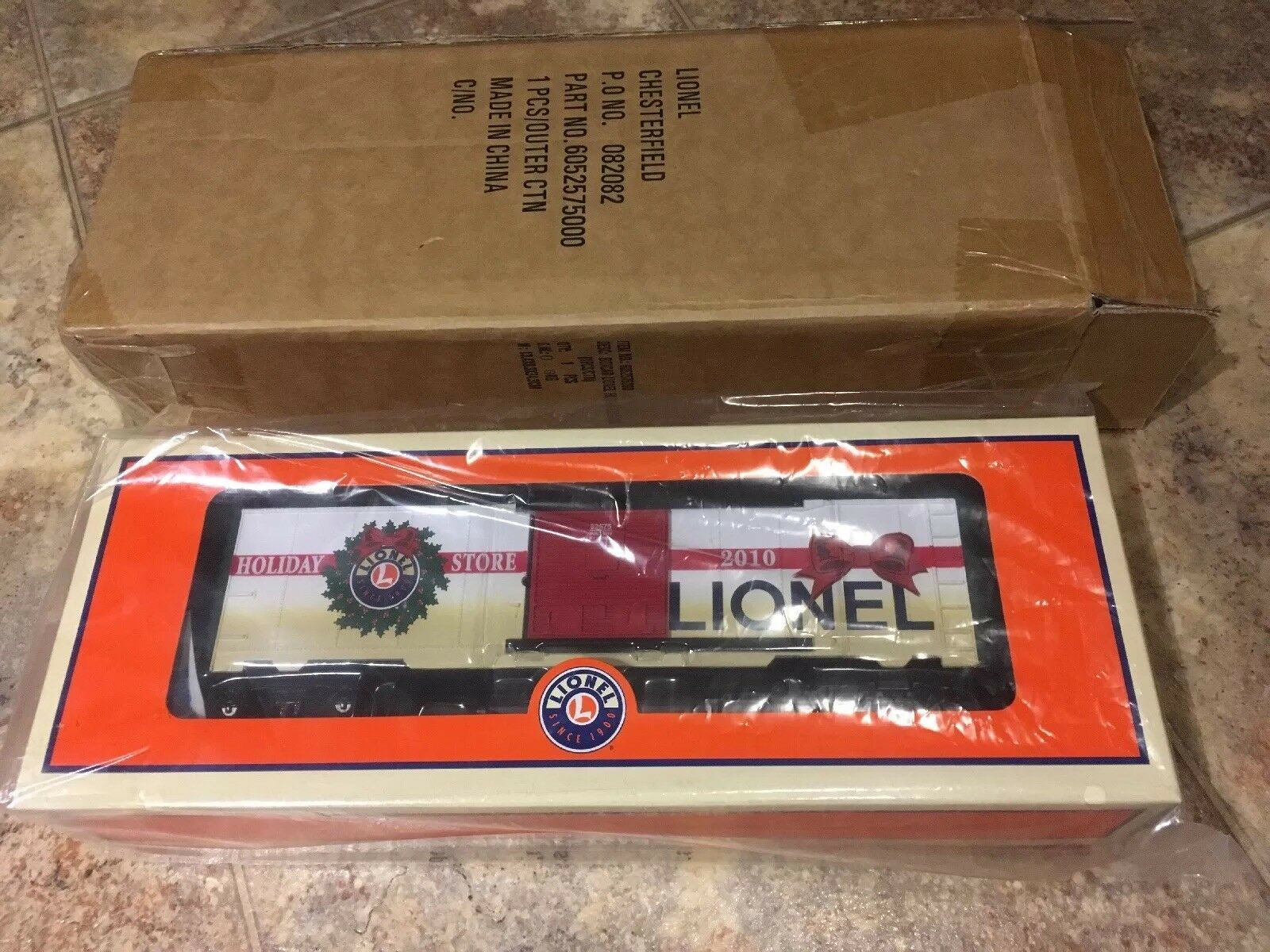 Lionel 6-52575  Holiday Stores Christmas Boxcar 2010  Limited Edition