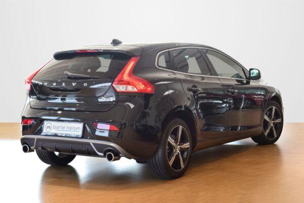 Volvo V40 2,0 D2 120 R-Design aut. - billede 2