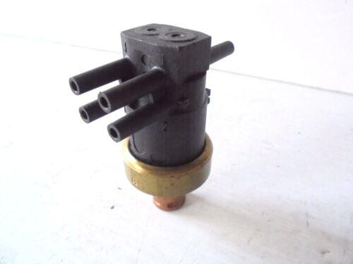 Ported Vacuum Switch Wells E948 NEW VINTAGE  ORIGINAL