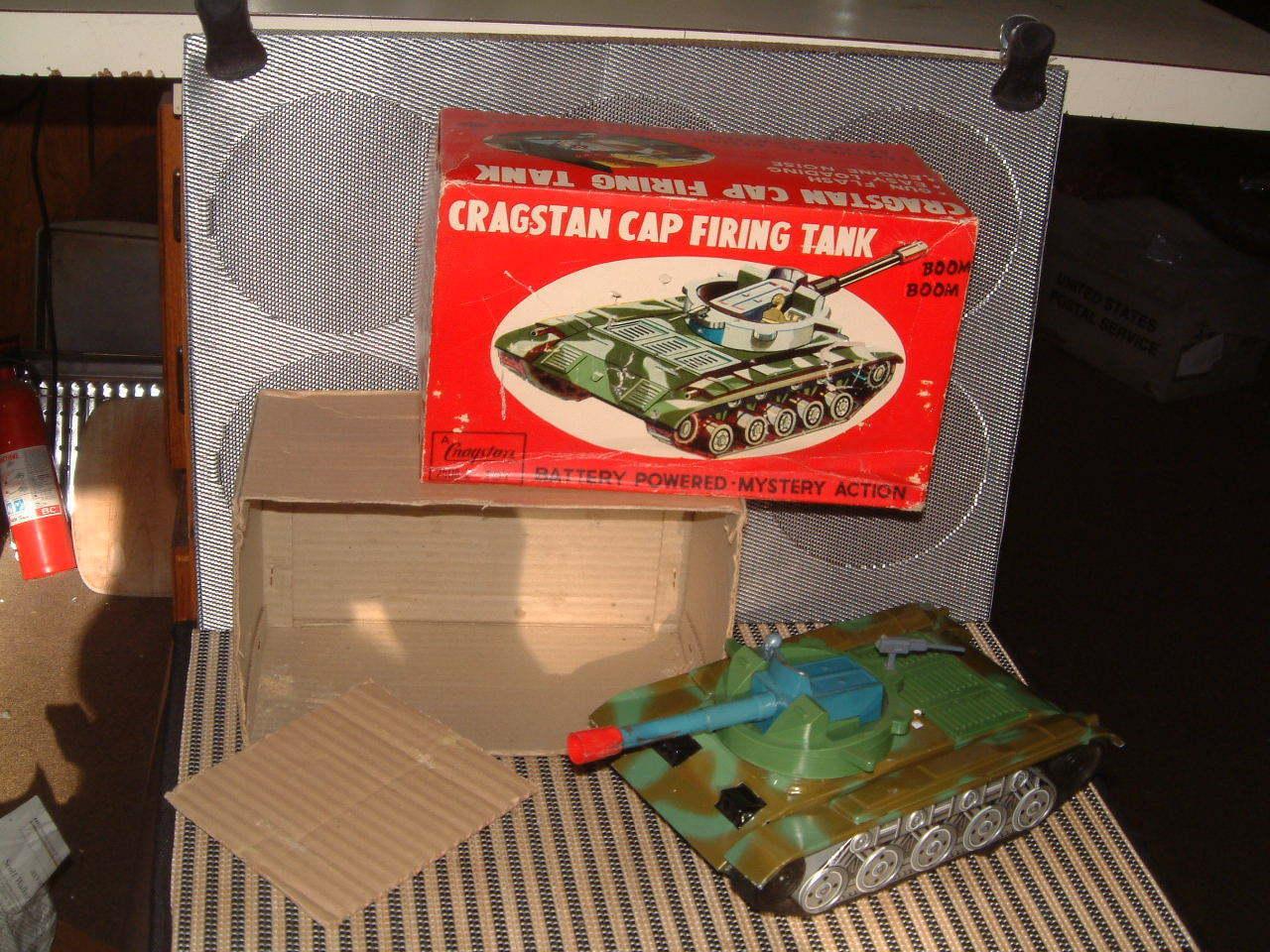 CRAGSTAN CRAGSTAN CRAGSTAN VINTAGE, TIN B O CAP FIRING TANK  COMPLETE W BOX  FULLY OPERATIONAL  d9f08f