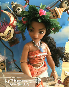 2018-LIMITED-EDITION-Disney-Designer-Moana-Fairytale-Doll-Coconuts-amp-Hei-Hei-Set