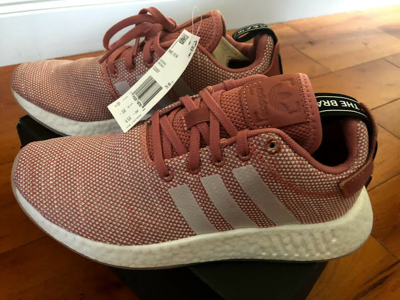 NWT Women's Adidas NMD R2 W Pink and White-Size 6 1 2