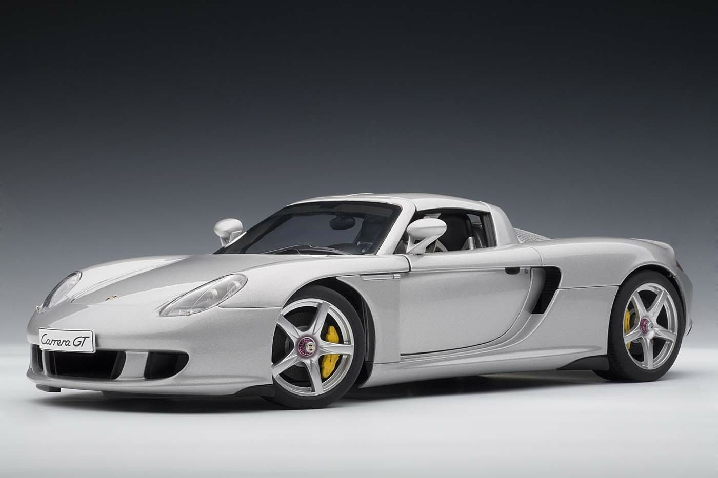 Porsche Carrera GT Argent avec intérieur noir 1 18 AUTOart 78046 New Re-Release