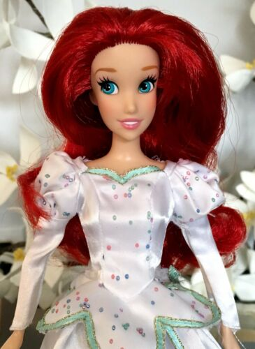 Disney Store Old Style Little Mermaid Ariel Doll W Wedding Dress Straight Arms