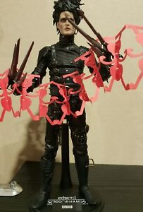 1-6-Hot-Toys-Edward-Scissorhands