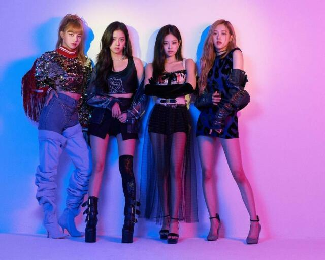 BLACKPINK IN YOUR AREA Limited 2CD+DVD+PHOTOBOOK SPECIAL BOX (USED)