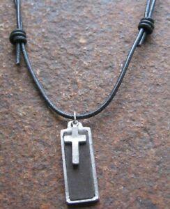 Kreuz-Herren-Leder-Kette-schwarz-braun-Lederkette-Surfer-Halskette-Kreuzkette