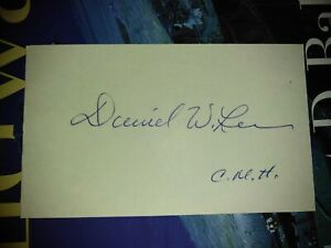 Capt. DANIEL W. LEE WWII Medal of Honor Signed 3x5 Scarce Signature