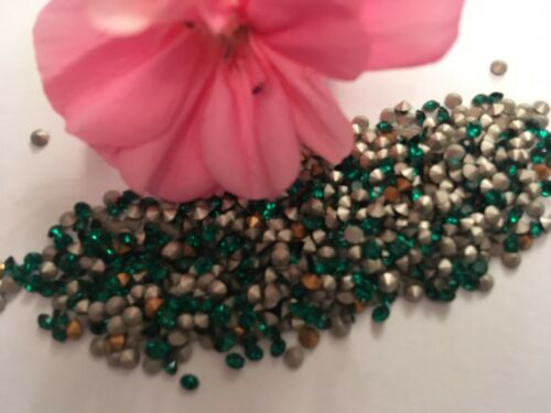 Rhinestones Preciosa Maxima Emerald Round Repair Foiled Pack of 60 Size Options