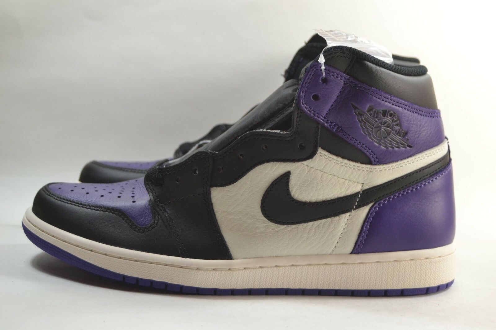 New Nike Air Jordan 1 Retro High OG Court Purple Black Sail 555088-501