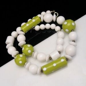 Vintage-Chunky-Large-Beads-Statement-Necklace-Green-White-Polka-Dots-Saucers