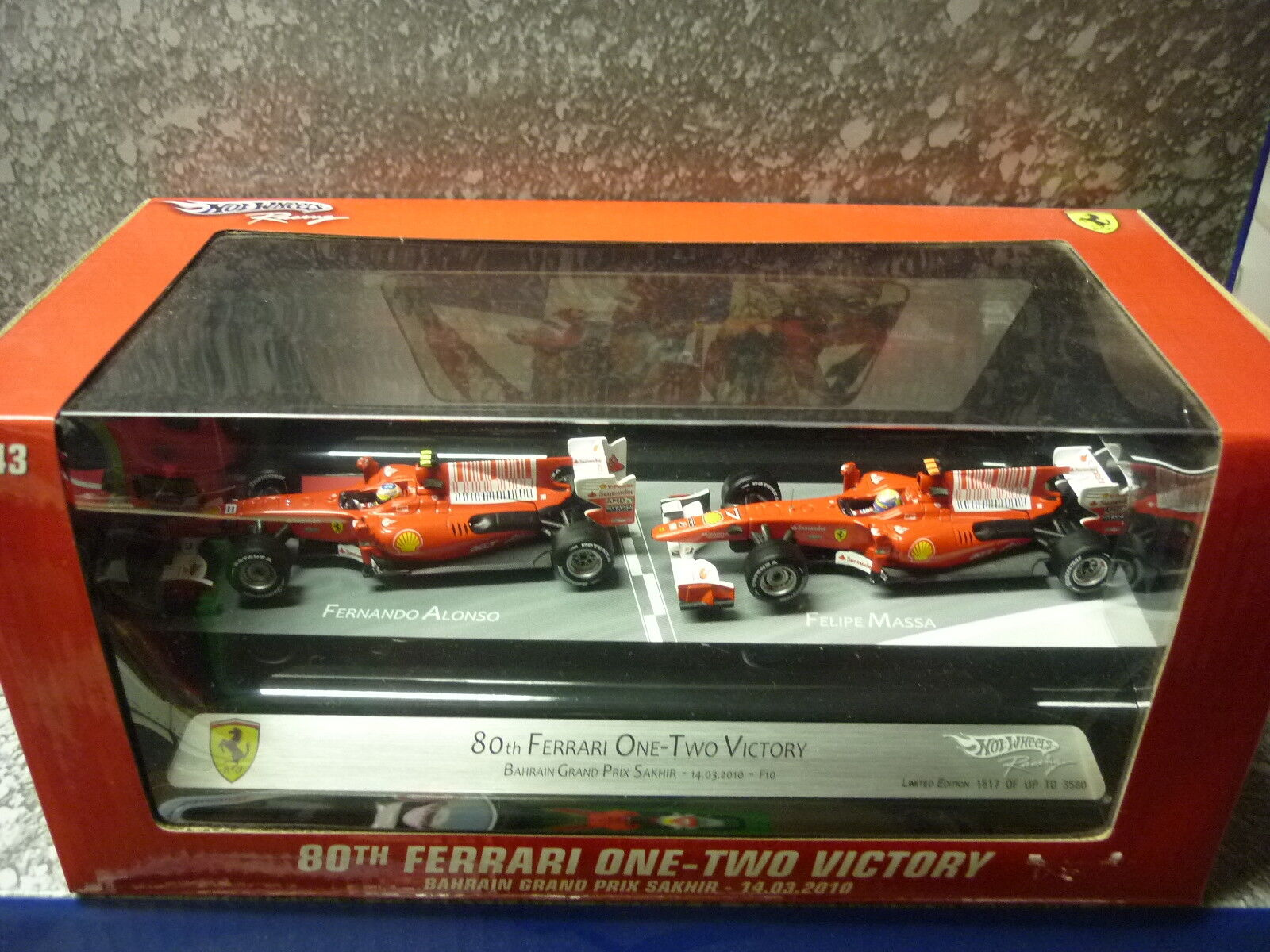 Hot Wheels V7423 80th Ferrari one-two victory  1 43