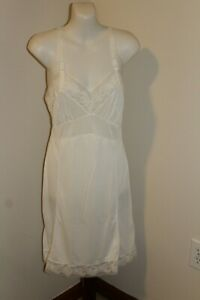 Vintage-Velrose-Full-Slip-Dress-White-Nylon-NOSWOT-Size-32-Shadow-Panel-1960s