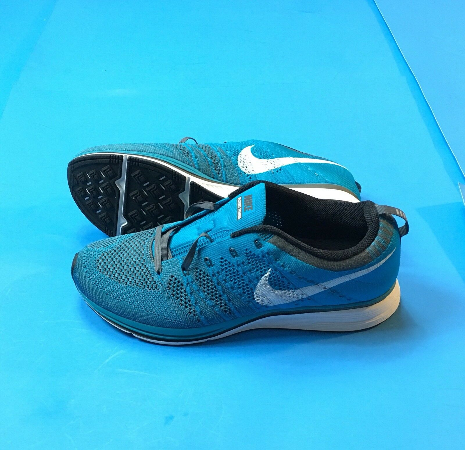 nike mens flyknit trainer blue white 2012 size 10.5