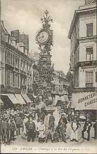 80-cpa-AMIENS-El-reloj-y-la-plaza-de-Vergeaux