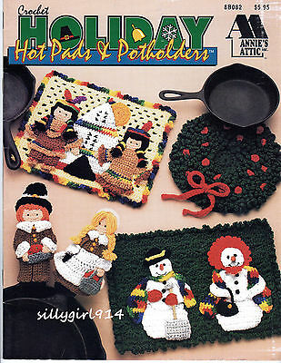 """""""HOLIDAY HOT PADS & POTHOLDERS""""~Annies Attic CROCHET PATTERN BOOK ONLY~SEE PICS"""