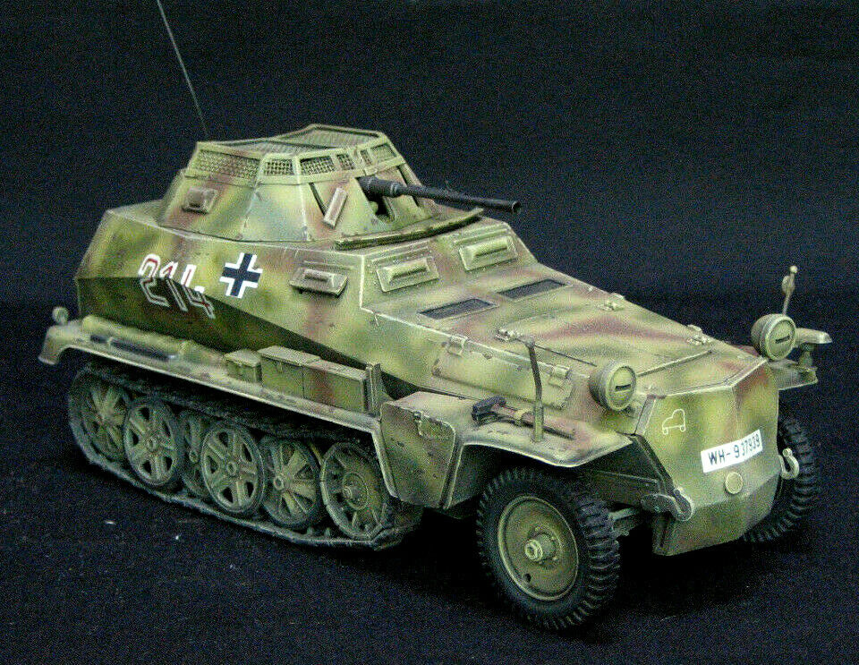 TAMIYA GERhomme HANOMAG SdKfz 250 9  PRO  BUILT AND PAINTED 1 35 MODEL KIT  nous offrons diverses marques célèbres